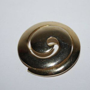 Vintage gold swirl brooch